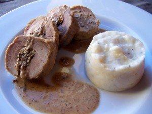 Solomillo de cerdo relleno de boletus y foie