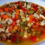 Soja verde con verduras y pollo